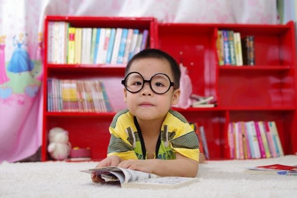 How to encourage reading to beat the summer slide