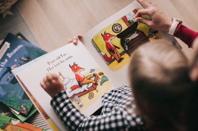 kids reading to beat the summer slide
