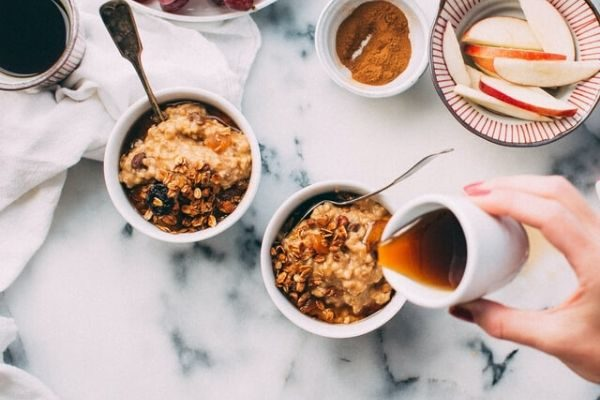 10 best things to do in the morning to conquer your day, eat a healthy breakfast