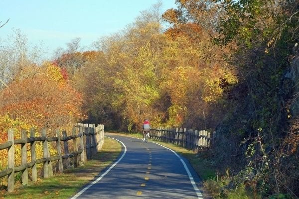 creative date ideas for fall, go on a road trip or fall bike ride