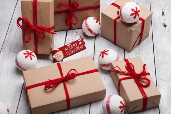 money saving gifts for the holidays, homemade with love