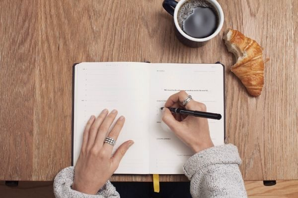 How to Start a Journal (That Improves Your Life)