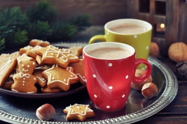 The Best Christmas Traditions for Couples in 2021