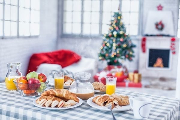 eat a special breakfast as a couples Christmas tradition