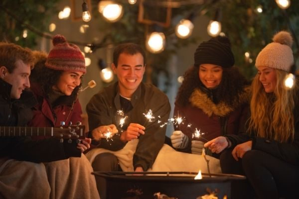 connect with others using your winter bucket list