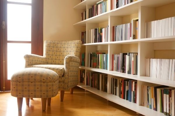 At home bucket list ideas for 2021 or quarantine: library