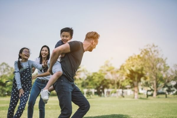 family running with interesting things to talk about