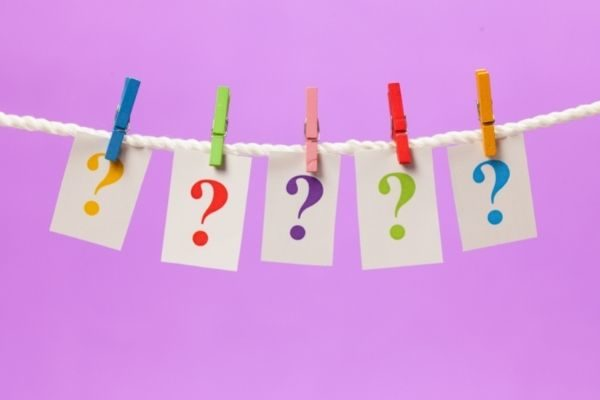 Funny kids this or that questions that make them smile: question marks on a string