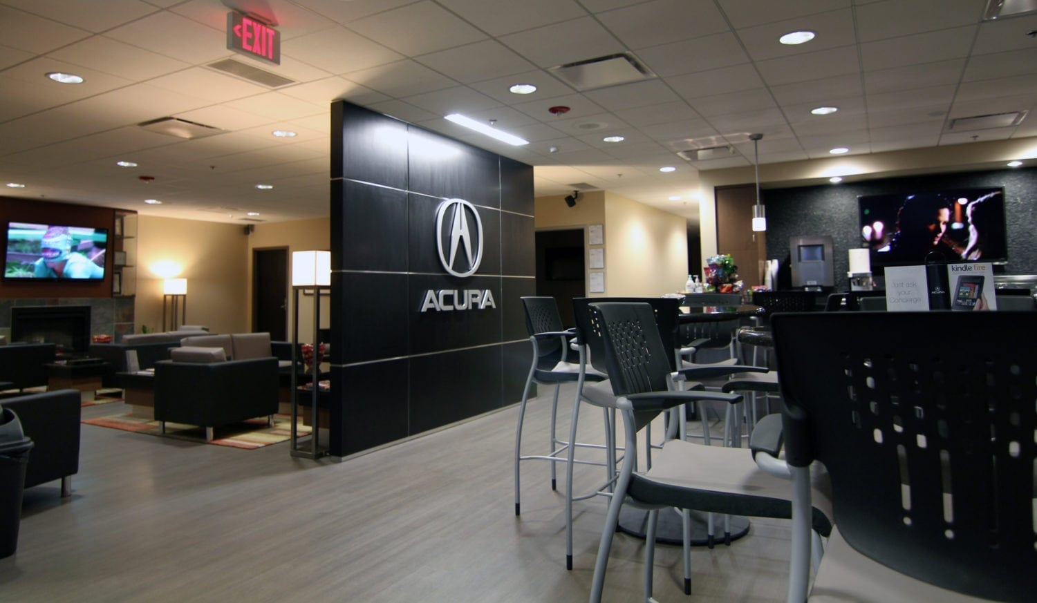 Jay Wolfe Acura Service Lounge